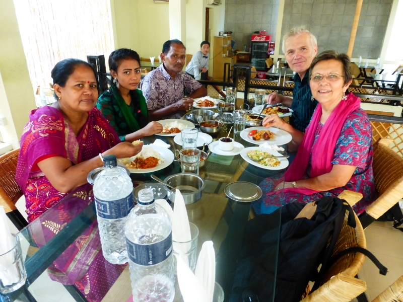 006_201410_22 Lunch with Shonkar, Loki and Puja