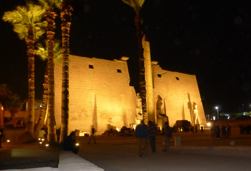 04 201412_28 Temple of Luxor (night-time)