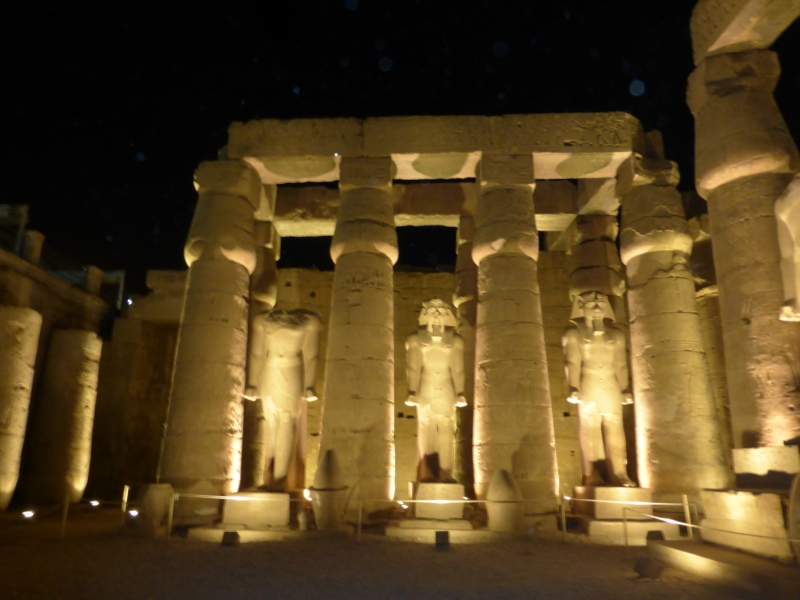 04a 201412_28 Temple of Luxor (lighted 2)