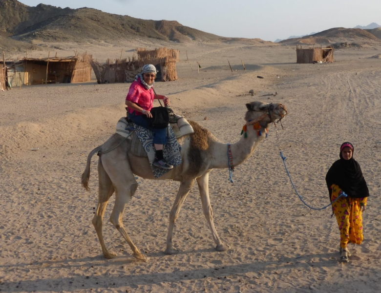 05 201412_31 Camel riding-Suzie