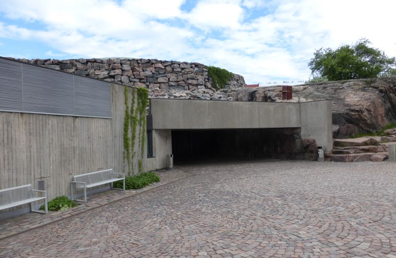 07 Helsinki-Temppeliaukio Rock-hewn Church (Kirkko)-Front Entrance