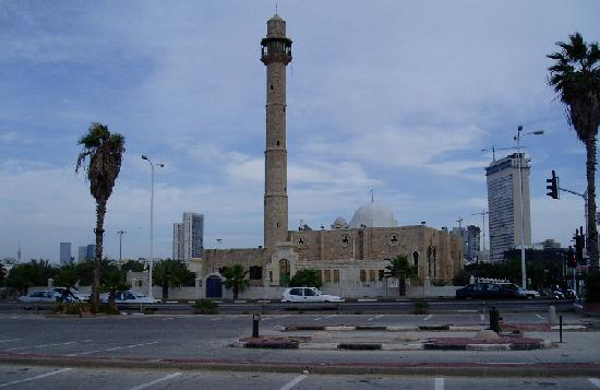 13-110406_Mosque_near_Hotel